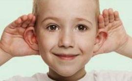 Чистим уши ребенку правильно