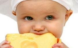 Когда можно давать сыр ребенку