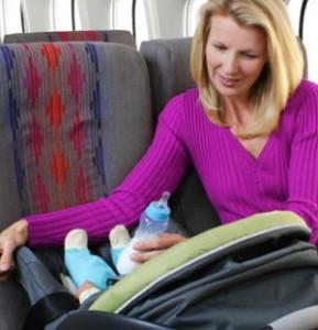 Как летать на самолете с грудными детьми
