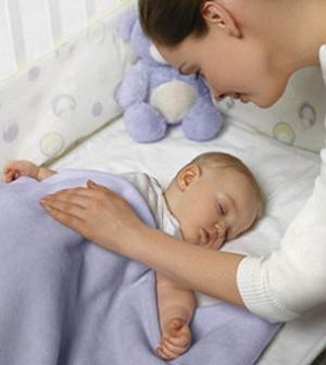 Как укладывать грудного ребенка