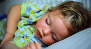 Сколько спит грудной ребенок