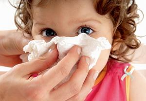 У грудного ребенка заложен нос - что делать