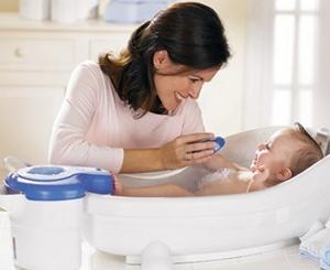 Когда можно купать новорожденного